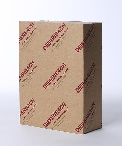 Foto eines Kartons mit Logo Aufdruck von Diefenbach Verpackungen