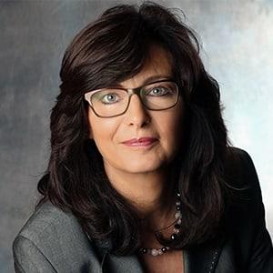 Mitarbeiter Monika Müller von Diefenbach Verpackungen
